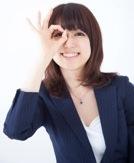 求人サイトをおすすめする女性イメージ写真